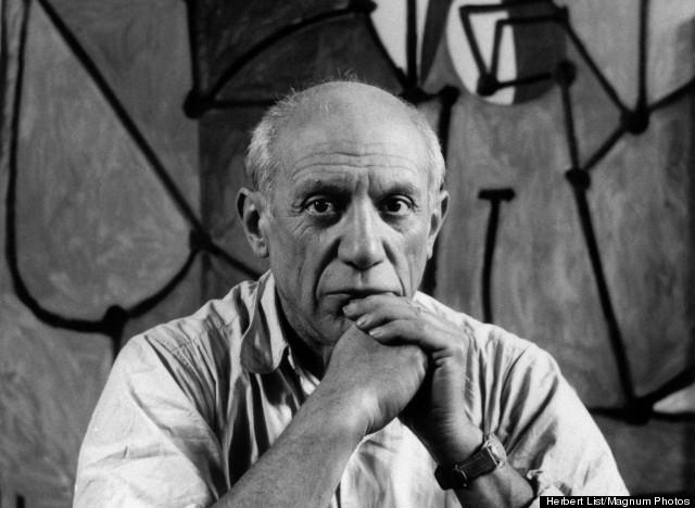 Una foto di Picasso. Mentre rubava.