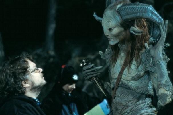 Guillermo Del Toro mentre litiga col Fauno del Labirinto del Fauno