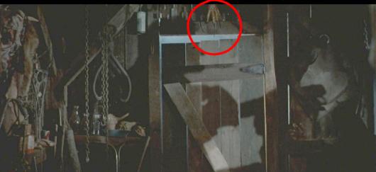 Evil-Dead-II-Freddy-Krueger-glove-e1393970508308