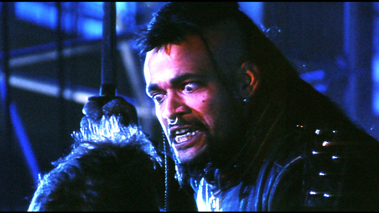 Der unsterbliche Magier Kane (Mario van Peebles) wird nach 400 Jahren aus einer Höhle befreit und will sich nun an seinem Rivalen Connor MacLeod rächen.