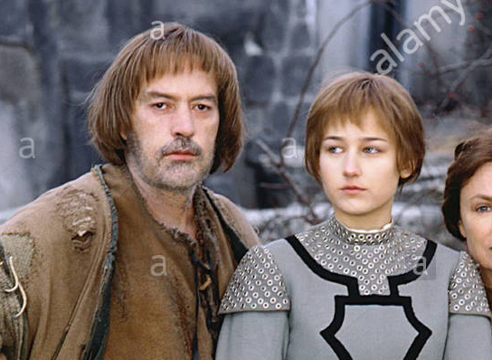 POWERS BOOTHE, LEELEE SOBIESKI & JACQUELINE BISSET Film 'JOAN OF ARC' (1999) Directed By CHRISTIAN DUGUAY 16 May 1999 CTT78779 Allstar/Cinetext/CBS **WARNING** This photograph can only be reproduced by publications in conjunction with the promotion of the above film. For Editorial Use Only.